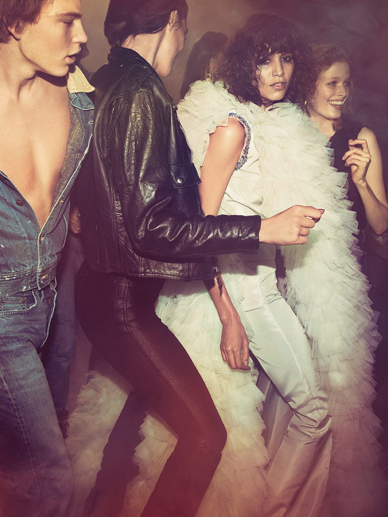 cameron-liya-karlie-edie-anna-rianne-mica-vogue-paris-may-2015-11